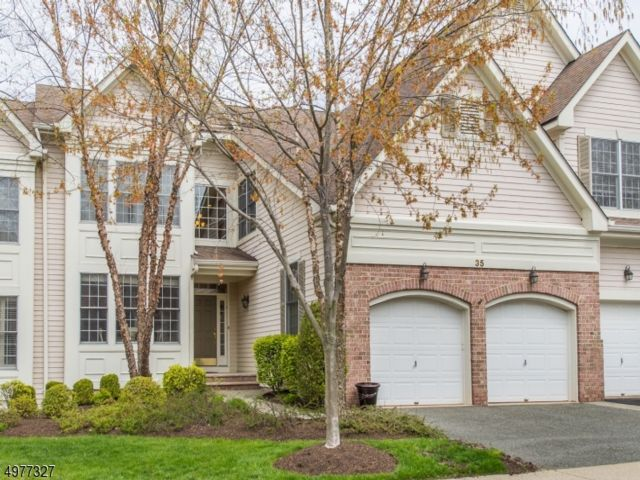 3 BR,  2.50 BTH Townhouse-inter style home in Fairfield
