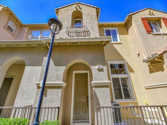 3 BR,  2.50 BTH Townhouse style home in Santa Clara