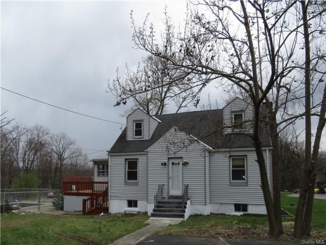 4 BR,  2.00 BTH Cape style home in New Windsor
