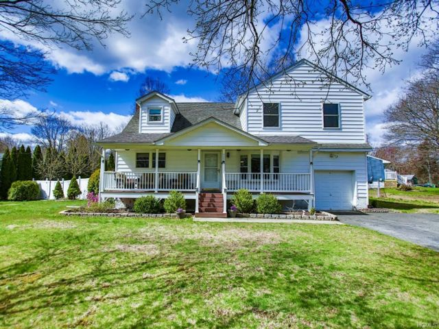 4 BR,  2.00 BTH  Cape style home in Newburgh Town