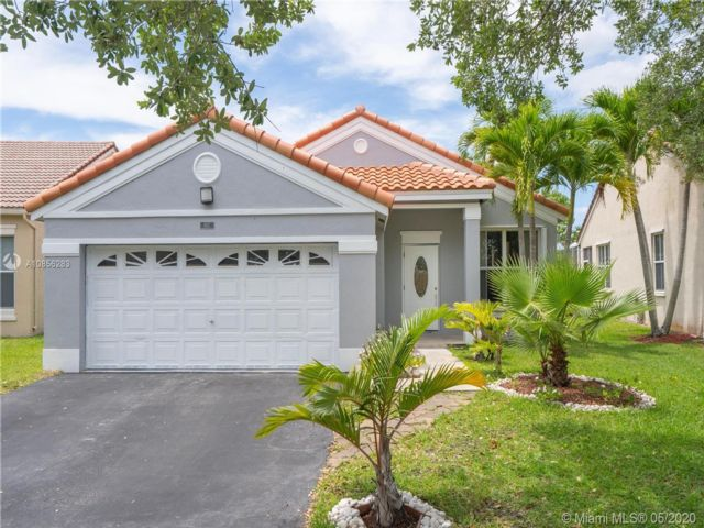 3 BR,  2.00 BTH  style home in Weston