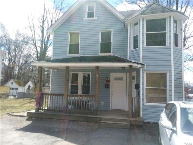 6 BR,  4.00 BTH 2 story style home in Thompson