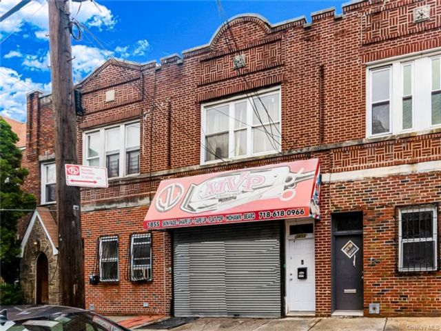 Studio,  0.00 BTH  Commercial style home in Soundview