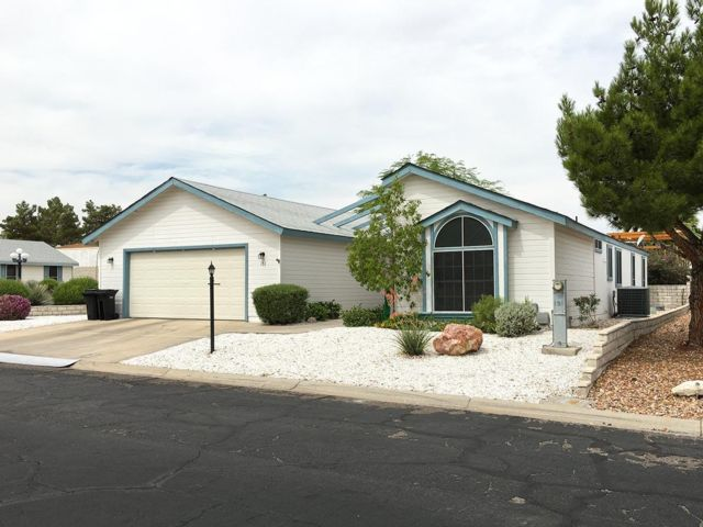 [Henderson Real Estate, listing number 6954483]