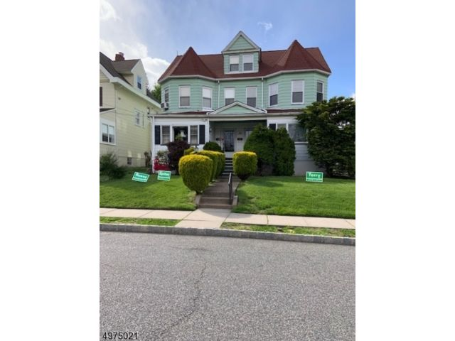 2 BR,  1.00 BTH House style home in Montclair