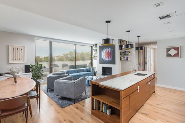3 BR,  2.00 BTH Condo style home in Prospect Heights