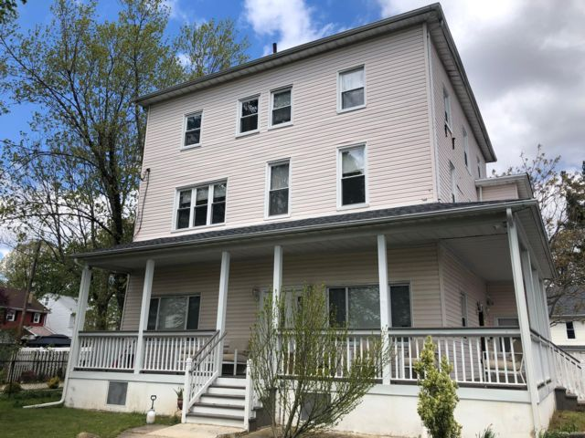 2 BR,  2.00 BTH  Apartment style home in Belleville