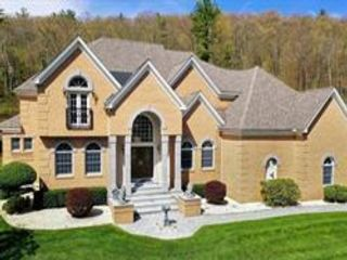5 BR,  3.50 BTH Contemporary style home in Leominster
