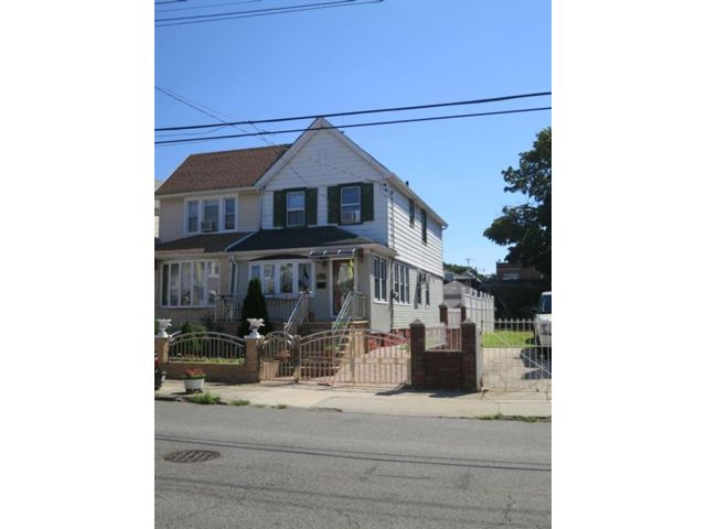 3 BR,  2.00 BTH  Single family style home in East Flatbush