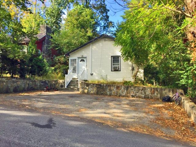 2 BR,  1.00 BTH Bungalow style home in Lake Peekskill