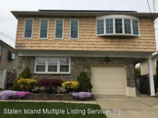 4 BR,  3.00 BTH  Hi ranch style home in Great Kills