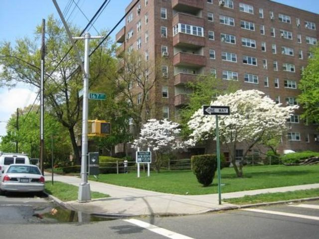 1 BR,  1.00 BTH Apartment style home in Jamaica Hills