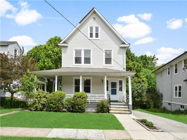 4 BR,  2.00 BTH Colonial style home in Greenburgh