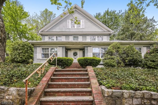 5 BR,  4.50 BTH  Colonial style home in Nutley