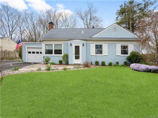 3 BR,  2.00 BTH Ranch style home in Greenburgh