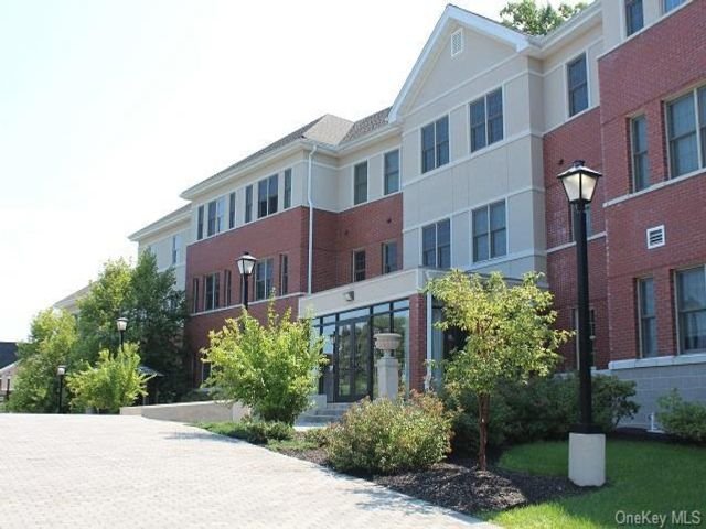 2 BR,  2.00 BTH Apartment style home in Cornwall