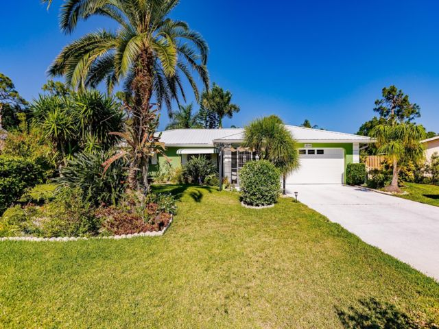 3 BR,  2.00 BTH  style home in Fort Myers