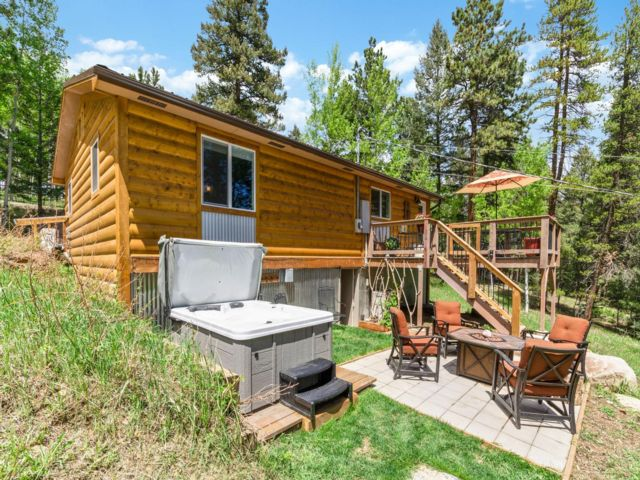 2 BR,  1.00 BTH  Ranch style home in Conifer