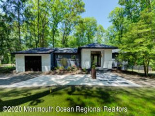 3 BR,  2.50 BTH  Ranch style home in Atlantic Highlands