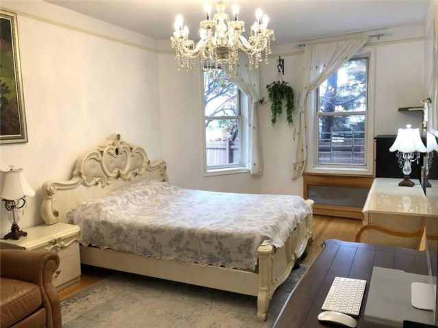 2 BR,  1.00 BTH Co-op style home in Windsor Terrace