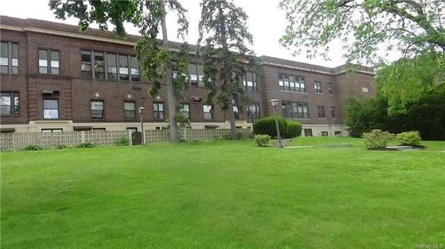 2 BR,  2.00 BTH Garden apartmen style home in Mount Pleasant