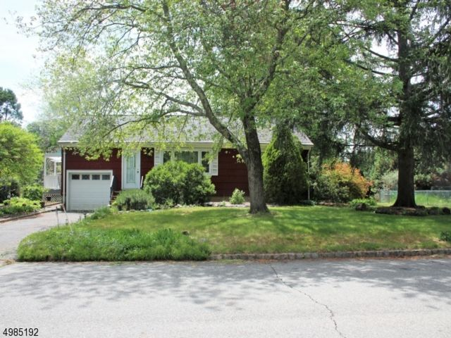 3 BR,  1.00 BTH  Ranch style home in Fairfield