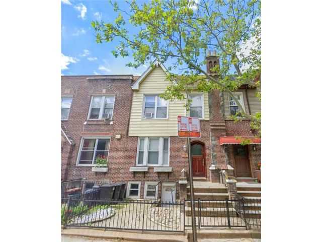 5 BR,  2.00 BTH  Multi-family style home in Bay Ridge