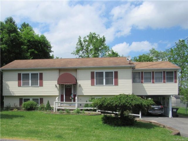 3 BR,  2.00 BTH Raised ranch style home in Montgomery