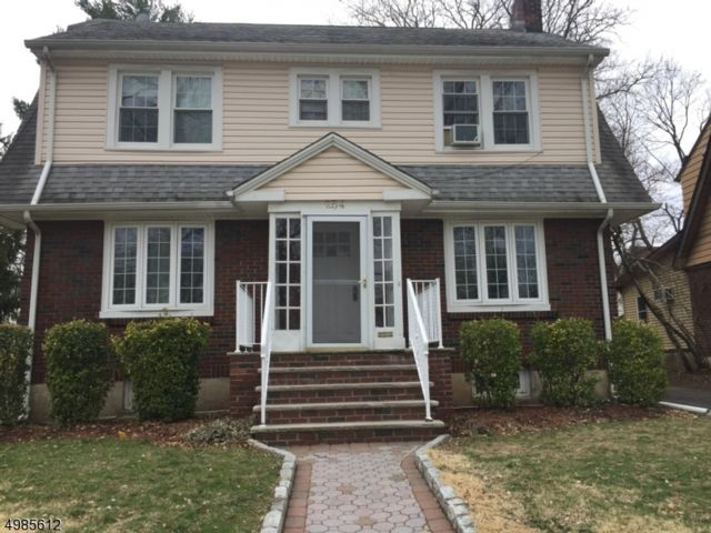 5 BR,  2.50 BTH House style home in Teaneck
