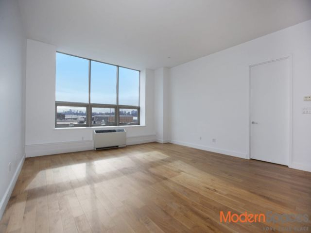 1 BR,  2.00 BTH  Condo style home in Hunters Point