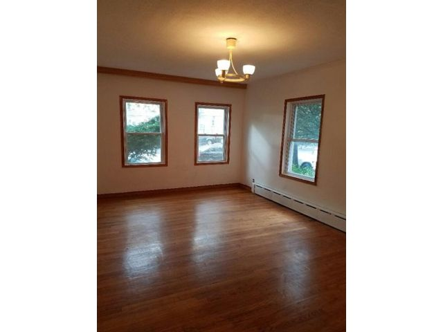 3 BR,  1.00 BTH Townhouse style home in Forest Hills