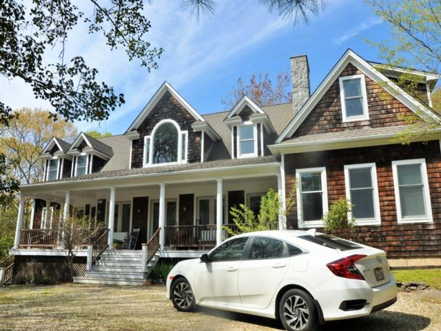 6 BR,  6.50 BTH  Traditional style home in Amagansett