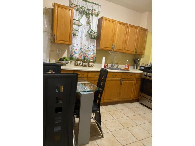 3 BR,  1.00 BTH Apartment style home in Kearny