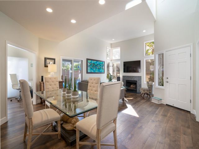 4 BR,  3.00 BTH   style home in Del Mar