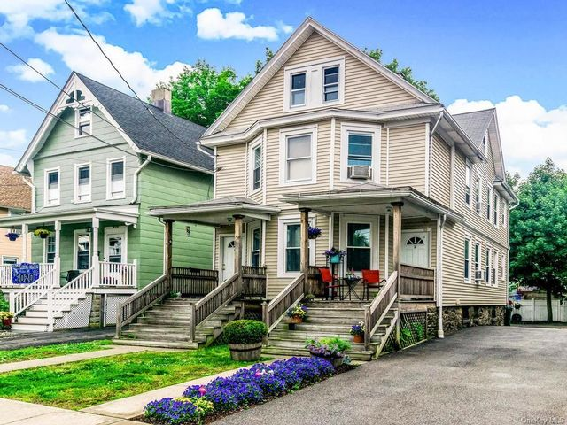 5 BR,  2.00 BTH Trilevel style home in Rye