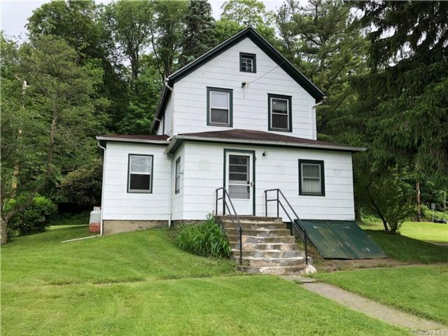 3 BR,  1.00 BTH 2 story style home in Cornwall