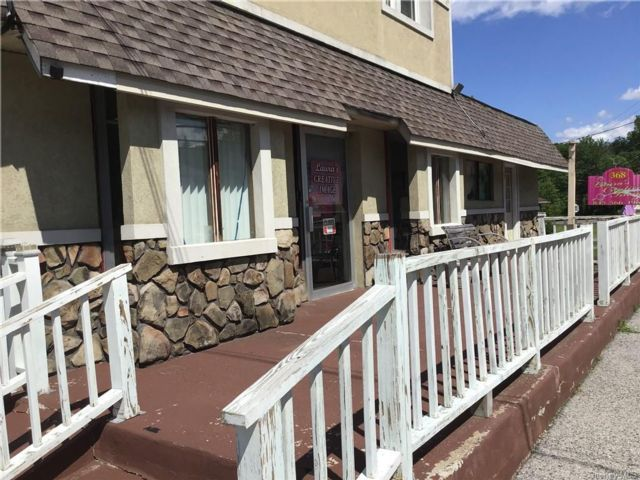 Studio,  0.00 BTH Commercial style home in Newburgh Town