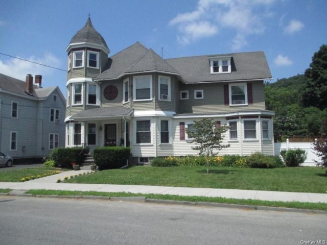 3 BR,  2.00 BTH Victorian style home in Port Jervis