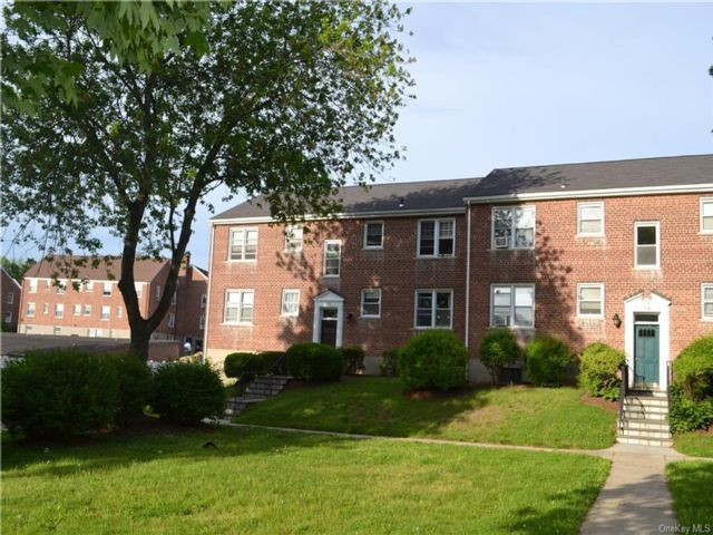 2 BR,  1.00 BTH  Co-op style home in White Plains