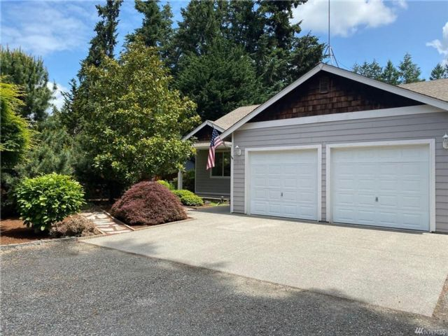 3 BR,  2.50 BTH  Contemporary style home in Yelm