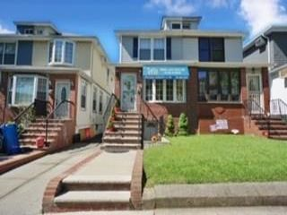 3 BR,  2.00 BTH  Single family style home in Bay Ridge