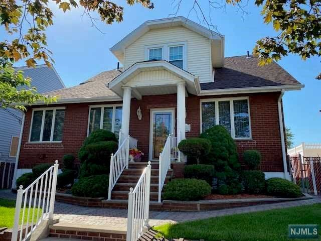 2 BR,  1.00 BTH 2 family style home in Carlstadt