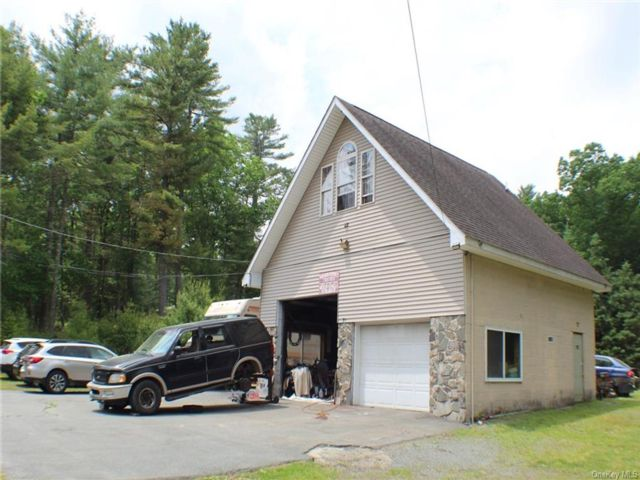 Studio,  0.00 BTH Commercial style home in Highland