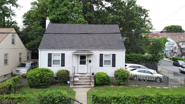 4 BR,  1.00 BTH  Cape cod style home in Irvington
