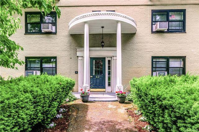 2 BR,  1.00 BTH Garden apartmen style home in Eastchester