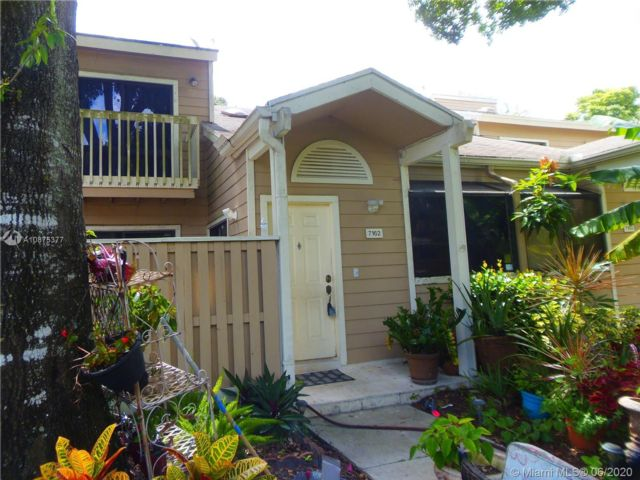 3 BR,  2.00 BTH Townhouse style home in North Lauderdale