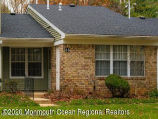 2 BR,  2.00 BTH Attached style home in Red Bank