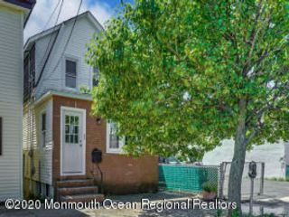 4 BR,  2.00 BTH Dutch colonial style home in Seaside Heights