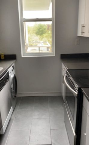 2 BR,  1.00 BTH Apartment style home in Kew Gardens