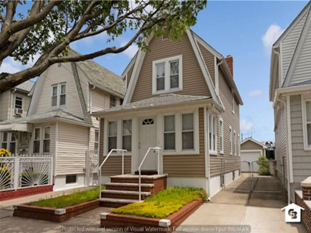 3 BR,  1.00 BTH Single family style home in Ozone Park